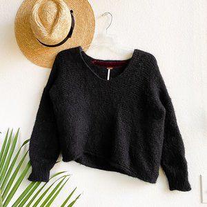 Free people / black fuzzy alpaca v-neck sweater